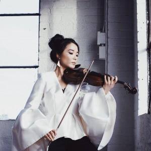 Yegee Lee - Violinist / Strolling Violinist in Toronto, Ontario