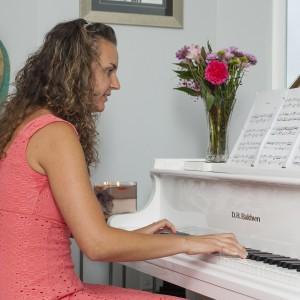 Yoana Hilt - Classical Pianist in Pensacola, Florida
