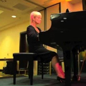 Yolanda Klappert - Classical Pianist in Los Angeles, California