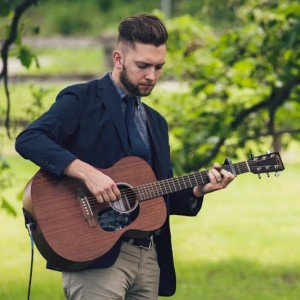 Zach Zurn - Singing Guitarist / Singing Pianist in Rochester, Minnesota
